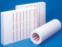 Insulation panels with built-in heaters used in sintering furnaces