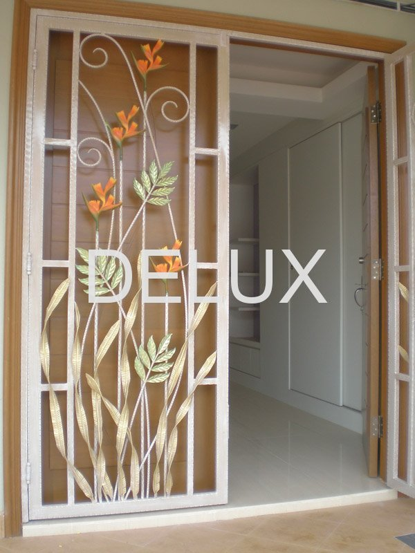 Wrought iron window grill designs for Window grills design pictures