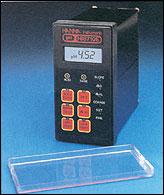 HI 8710 Panel Mounted pH Controller