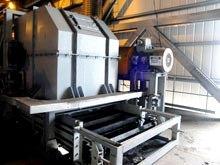 Spillage conveyors