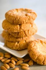 Oriental Almond Cookies (8 pcs)