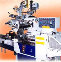 Top labelling attachment type