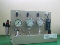 Pressure gauge calibration bench model: fm 01