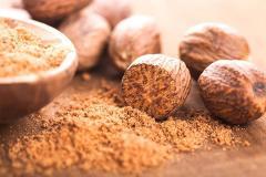 Whole Dried Nutmeg