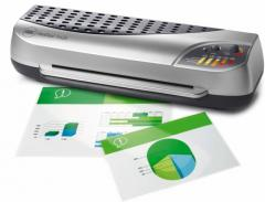 GBC Document Laminator: Heatseal 425